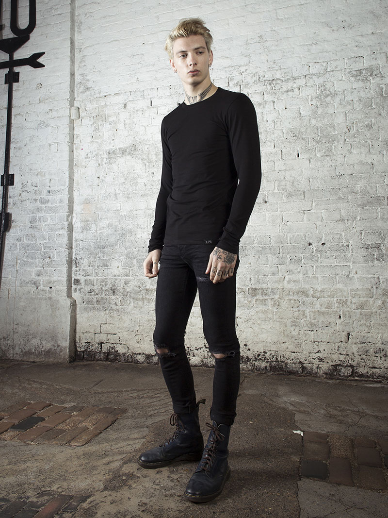 LMUK Rembrandt half-sleeve henley top in black